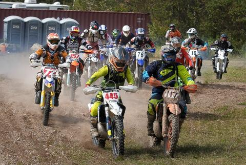 dirt bike race start